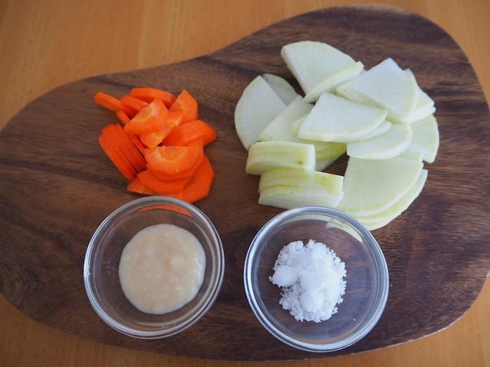 大根と人参の麹漬け材料