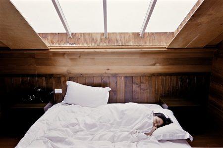 疲れ_sleep-1209288_640