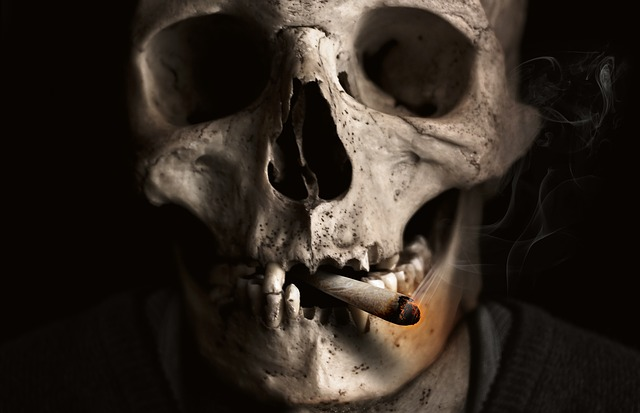 タバコ骸骨