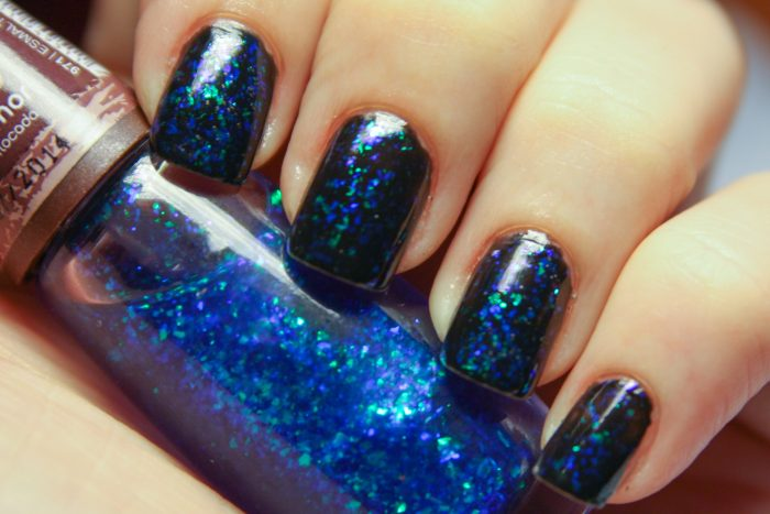 glitter nail polish (blue)