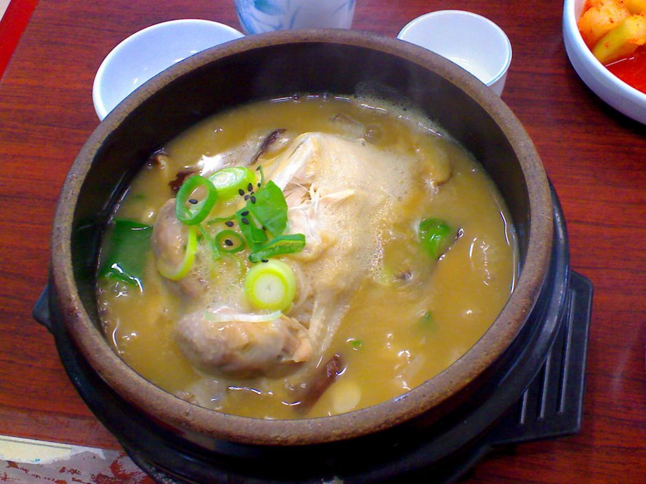 Korean_soup-Samgyetang-09