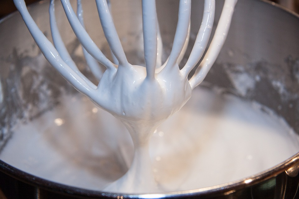 stirring device cream whipped cream whisk bake