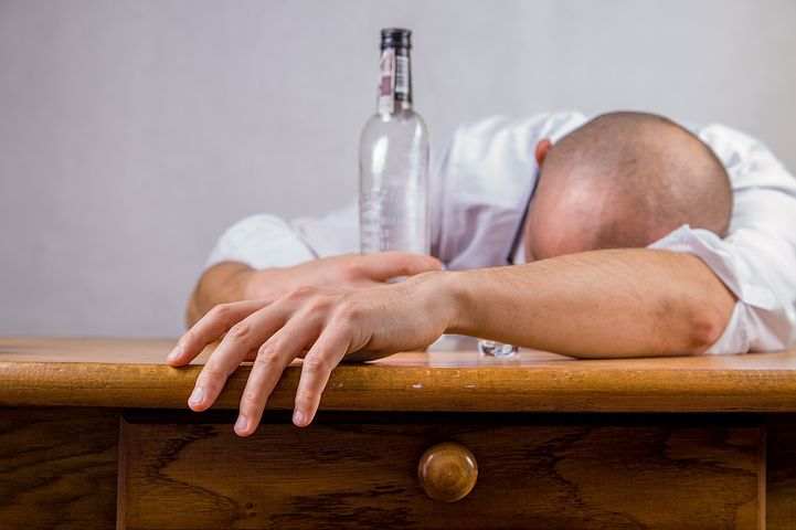 alcohol-428392__480
