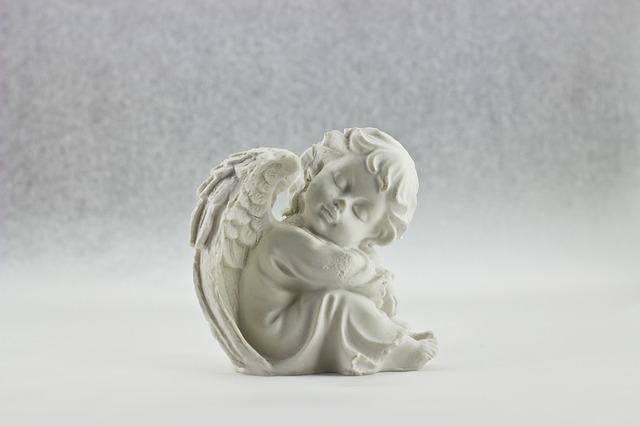 angel-428077_640