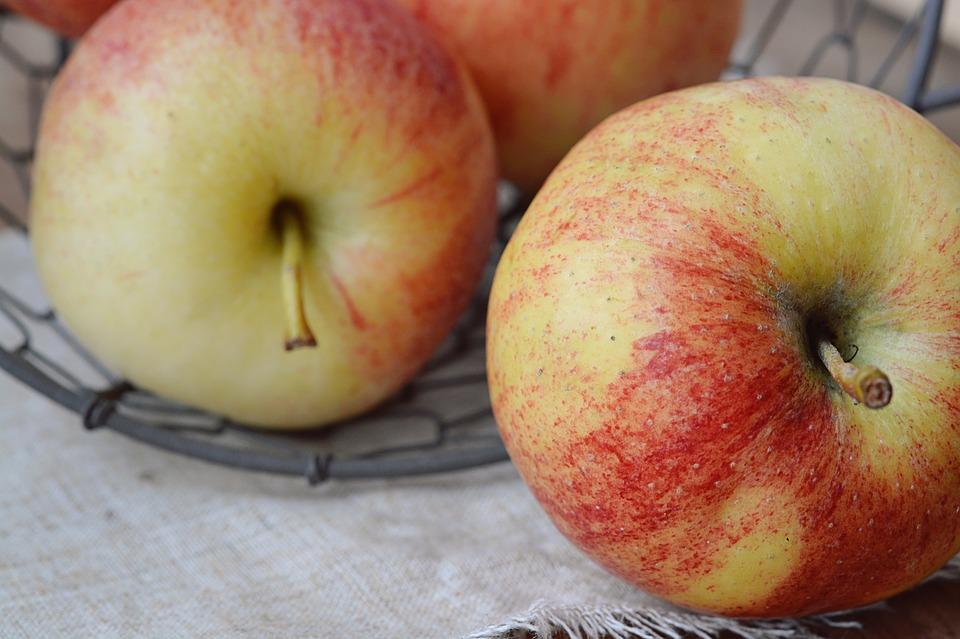 apple-1253403_960_720