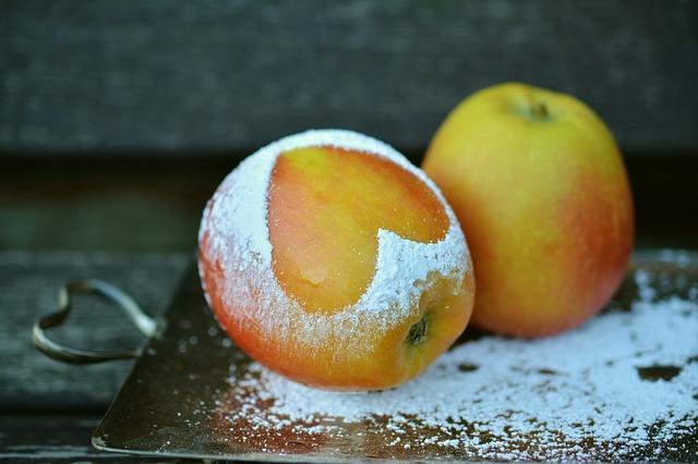 apple-1940815_640