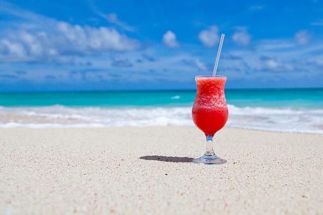 beach 84533 640 (1)