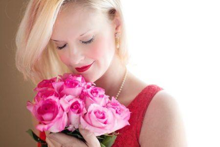 beautiful-woman-1435546__480