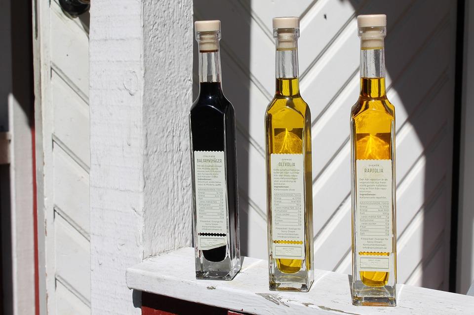 bottles-2415896_960_720