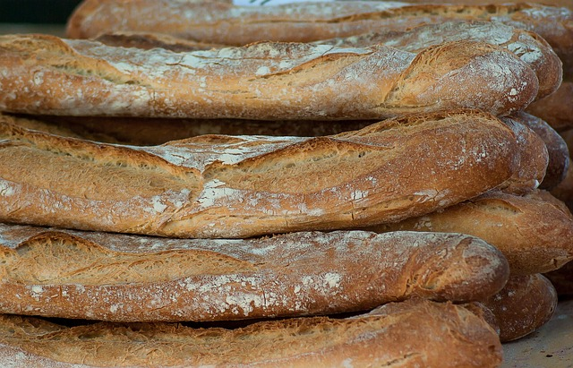 breads-2387146_640