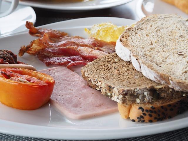 breakfast-1767409_640