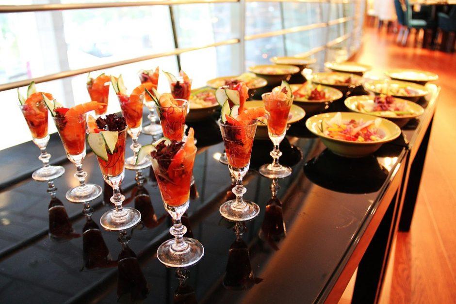 buffet-617156_960_720