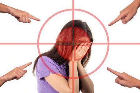bullying-3096216_640