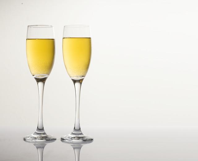 champagne-2635041_640