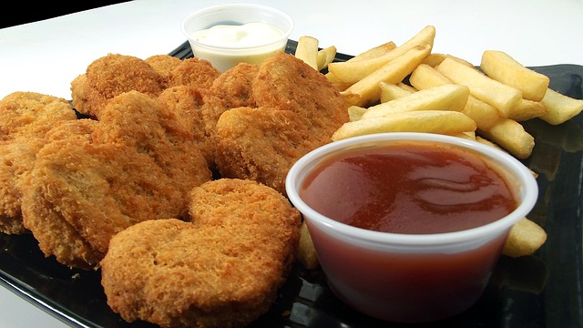 chicken-nuggets-246180_640