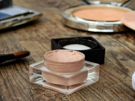 cosmetics-2116383_1280