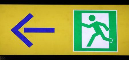 emergency-exit-596805_640