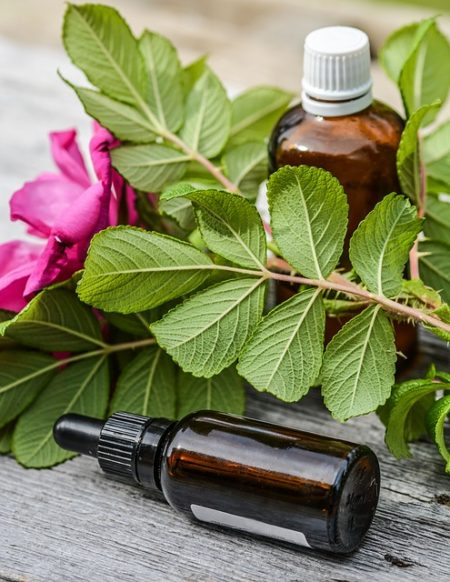 essential-oils-2535215_640