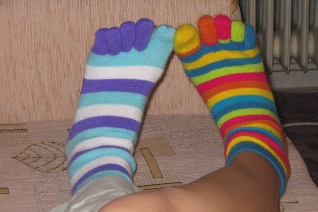 feet 49032 960 720