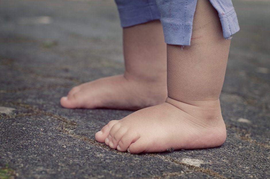 feet-619399_960_720