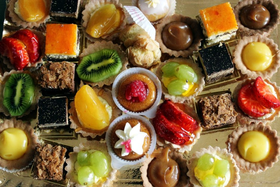 food-sweets-cakes-theme-overhead-73019