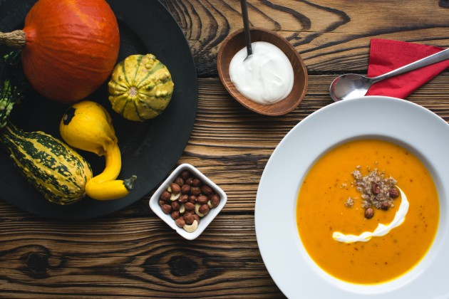 foodiesfeed com  pumpkin soup6