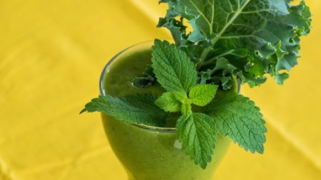 green-smoothie-2611410_1280