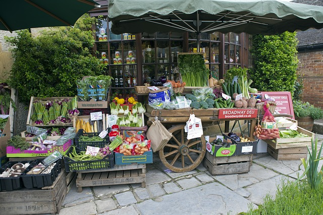 greengrocers-handcart-808965_640