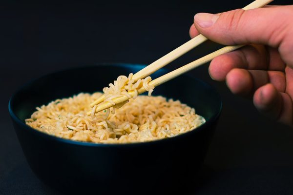hand eating chopsticks food 74153
