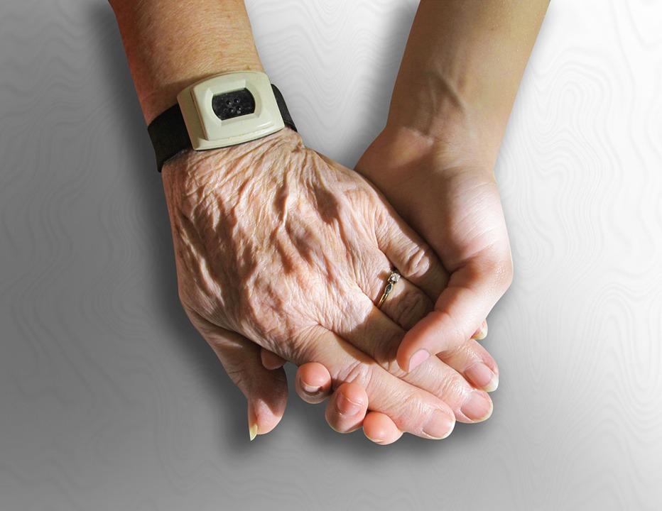 hands 216982 960 720