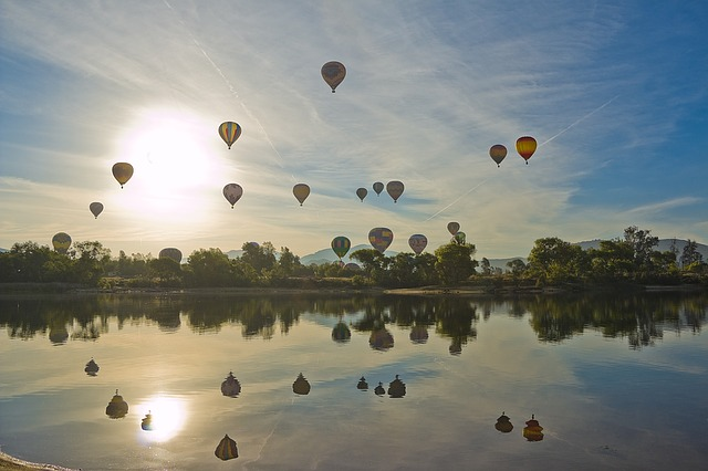 hot-air-balloon-1443342_640