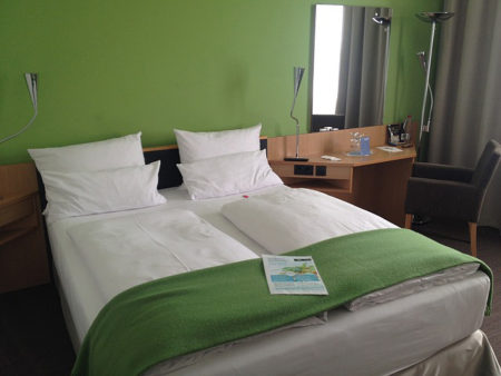 hotel-203368_640