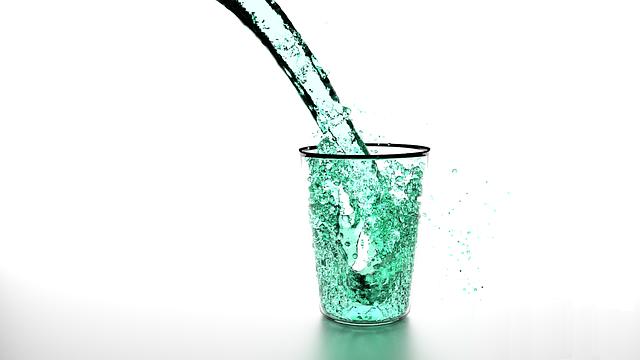 liquid-1210614_640