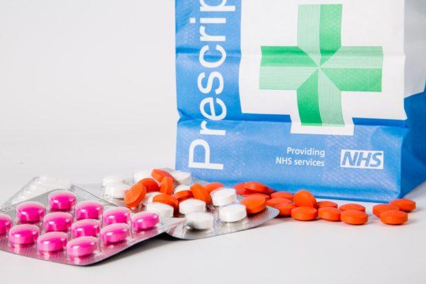 medical-supplies-paper-bag-14634698375eL