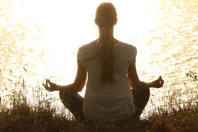 meditate 1851165 640