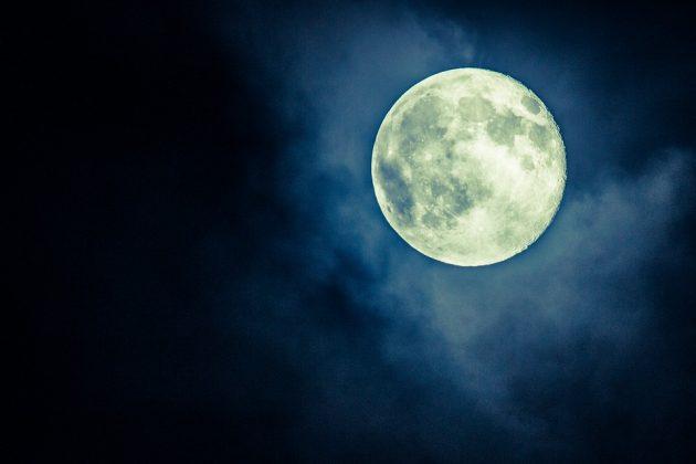 moon-1190101_960_720