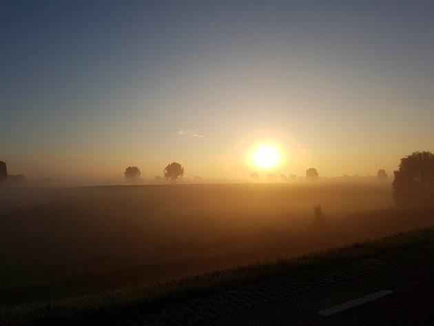 morning sun 1513114 640