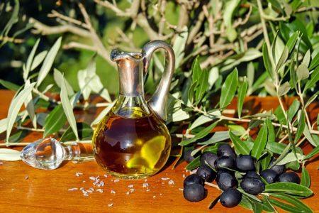 olive-oil-1596639_640