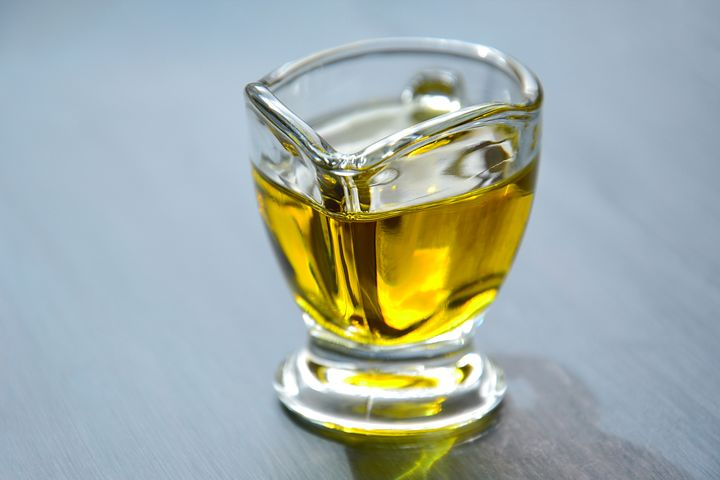olive-oil-3326715__480