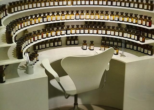 perfume-1794111_640