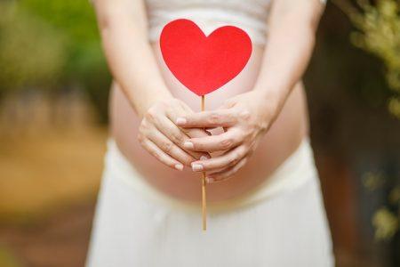 pregnant-woman-1910302_640