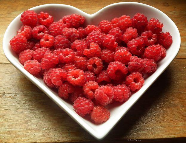 raspberries-215858__480