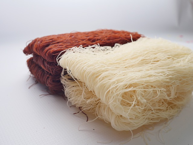 red-rice-noodle-2679059_640