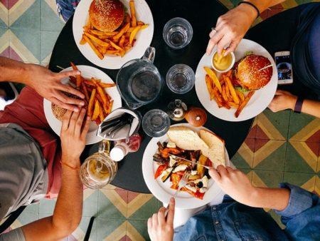 restaurant-2602736_640