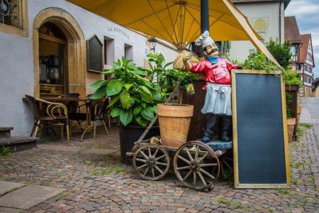 restaurant-2623093_1280