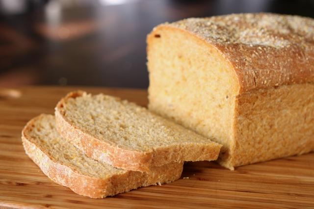 s_Anadama_bread_(1)