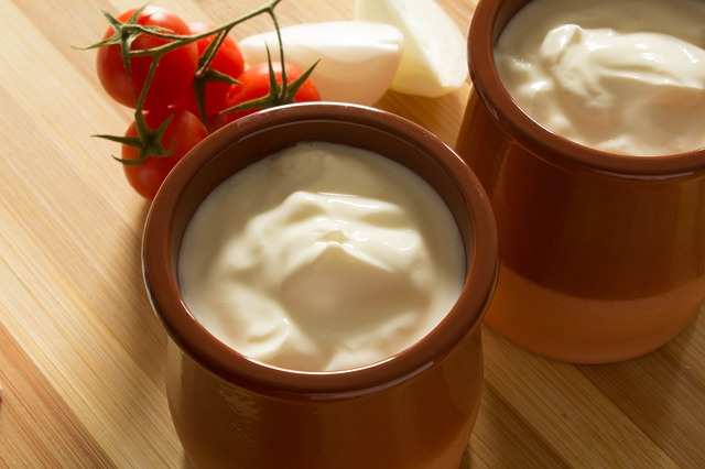 sour cream 4215618 640
