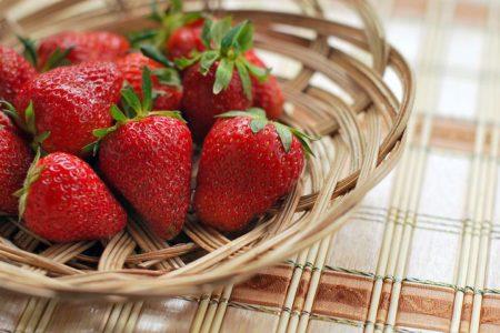 strawberry-1180048__480