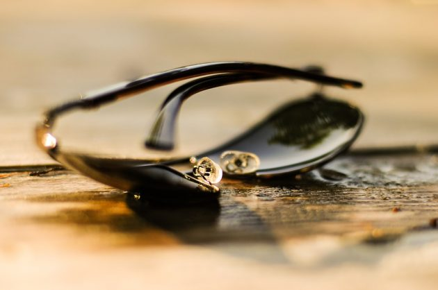 sunglasses-384567_960_720