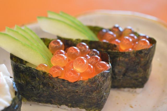 sushi 928894 640